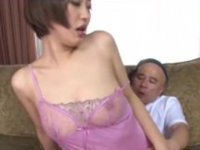 人妻、水野朝陽出演の無料エロ動画。乳首透け透けの下着がエロすぎww人妻の水野朝陽ちゃんが隣の住人に犯される