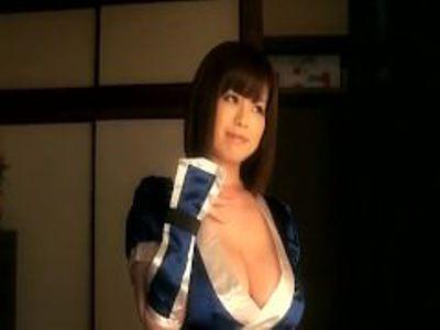 爆乳の美女の手コキ無料エロ動画。不知火舞コスプレをしたKカップ爆乳美女が手コキ&パイズリのガチセックス