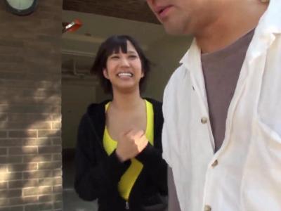 「こんにちわ、私AV女優してるんですけど…」湊莉久ちゃんがガチ素人の男性を逆ナンパしちゃう夢企画