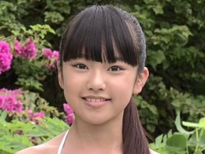 ロリの美人の無料エロ動画。この子は将来美人になるやろーなぁと思わせる10代ロリアイドルがキワキワ水着で誘惑して来る